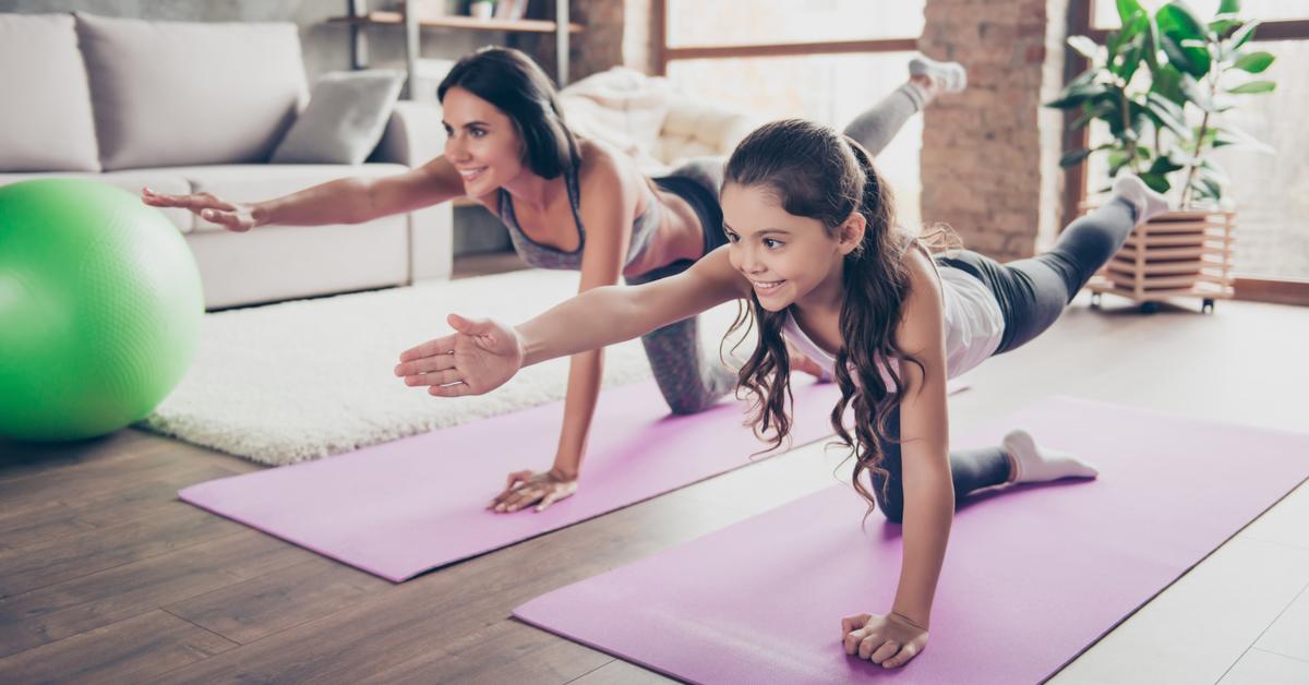 Posturas de yoga para hacer en casa